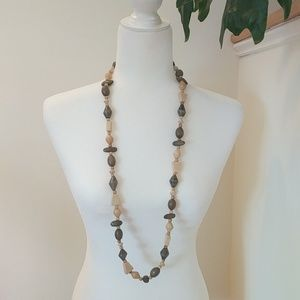 Jewelry - Boho Vintage Green & Tan Wood Beaded Necklace